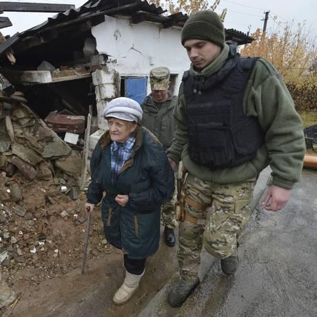 Conflito no Leste da Ucrânia já matou cerca de oito mil pessoas desde abril de 2014 Foto: STRINGER / REUTERS