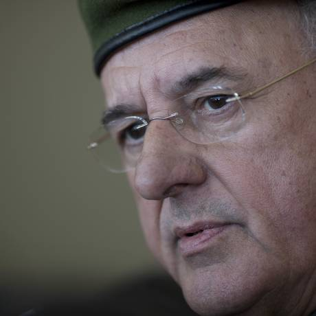 Nelson Jobim é respaldado pelo presidente colombiano para chefiar missão da Unasul na Venezuela Foto: Felipe Dana / AP