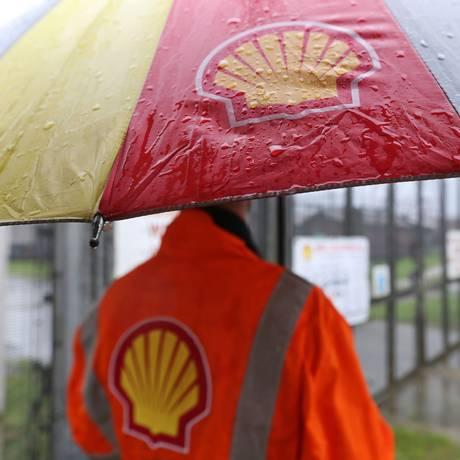Trabalhador da Shell na Nigéria Foto: George Osodi / Bloomberg News