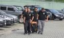 Agentes da Polícia Federal cumprem mandados de busca e apreensão da operação Zelotes Foto: Oslaim Brito / Agência O Globo/Arquivo