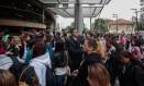 Abertura dos portões no predio da UNINOVE, em São Paulo Foto: Pedro Kirilos / Agência O Globo
