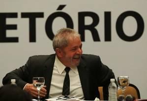 O ex-presidente Lula participa da reunião do diretório nacional do PT. Foto: Jorge William / O Globo