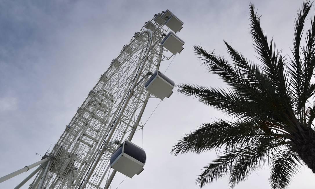 A roda-gigante Orlando Eye, uma das novas atrações de Orlando Foto: Marco Antonio Rezende / Agência O Globo