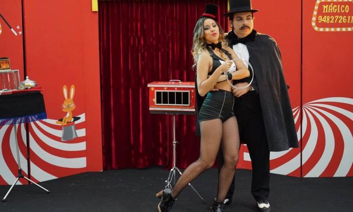 """Thati Lopes e Luis Lobianco em cena de 'O grande Gonzalez"""", série da Fox com o Porta dos Fundos Foto: Divulgação"""