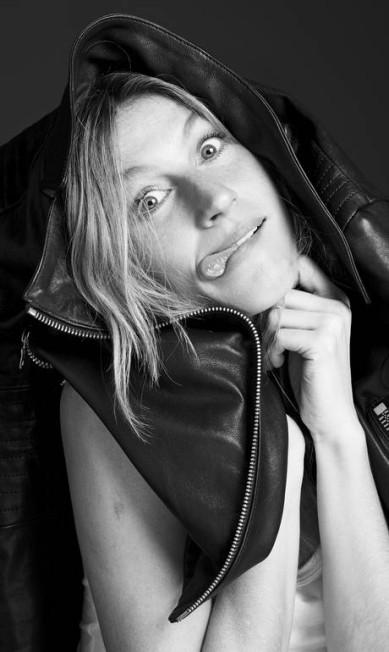 Gisele Bündchen celebra 20 anos de carreira com livro Bob Wolfenson