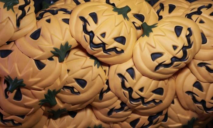 NI - Rio de Janeiro (RJ) 15/09/2015 Halloween - Fábrica de máscaras em São Gonçalo começou a produção para o Dia das Bruxas Fotos: Pedro Teixeira/ O Globo Foto: Pedro Teixeira / Agência O Globo