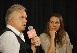 Tim Robbins e Petra Costa, cineasta brasileira, de 'Elena' e 'Olmo e a gaivota' Foto: Divulgação/Humberto Mendez