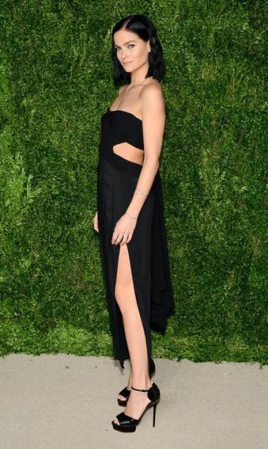 A modelo americana e DJ Leigh Lezark também apostou no preto Andrew Toth / AFP