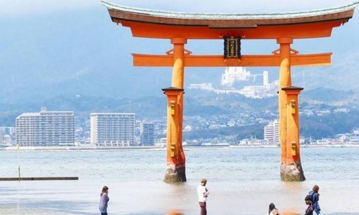 Torii Flutuante em Miyajima (ou Itsukushima), no Japão Foto: @karol.joao / Instagram