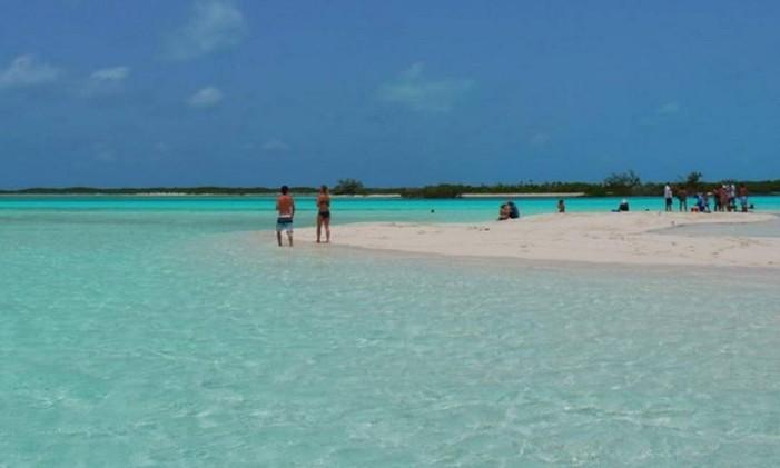 Praia em Exuma, nas Bahamas. Foto: @periclesrosa / Instagram