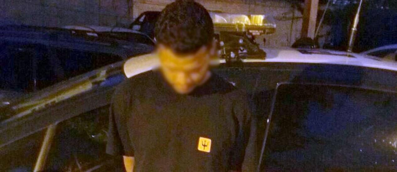 Homem foi preso em ação da Polícia Rodoviária Federal em Magé Foto: PRF / Divulgação