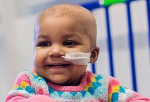 A menina Layla, de apenas um ano, está livre da leucemia após tratamento inédito Foto: Divulgação/Great Ormond Street Hospital