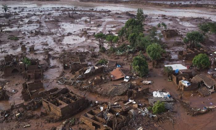 Parte do distrito de Bento Rodrigues totalmente destruída Foto: Felipe Dana / AP