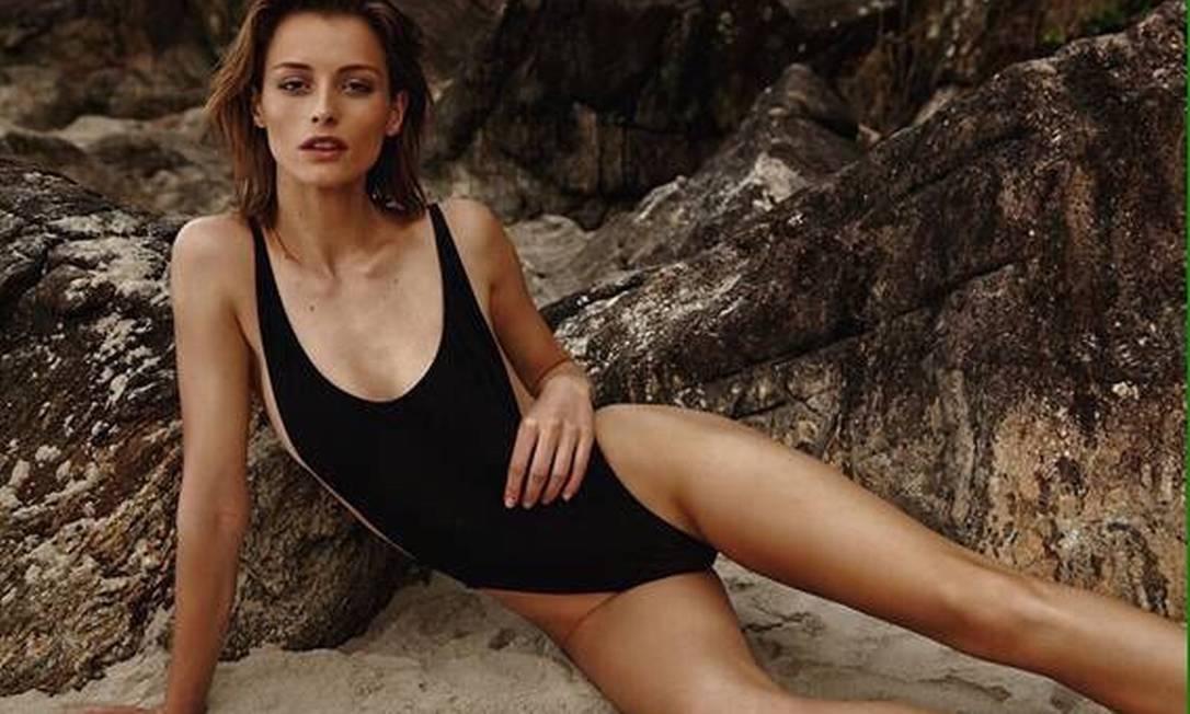 Flavia já trabalhou para Chanel, Miu Miu, Louis Vuitton, Marc Jacobs e Armani, além de ter estrelado campanhas para Clarins, Carolina Herrera e Missoni Divulgação