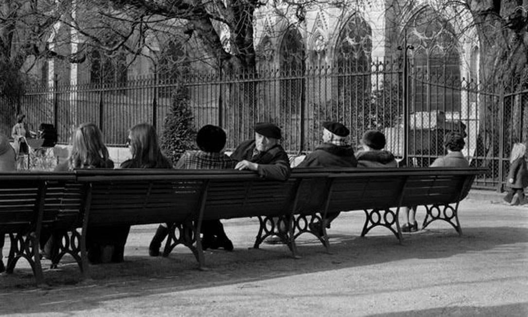 Uma praça em Paris Chico Mascarenhas