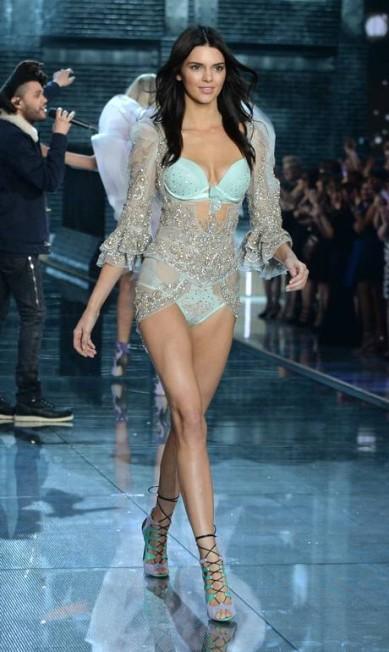 Kendall Jenner na passarela da Victoria's Secret Evan Agostini / Evan Agostini/Invision/AP