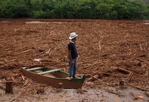 O Rio Doce tomado pela lama das barragens Foto: Daniel Marenco / 09-11-2015 / Arquivo O Globo