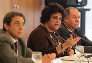 A ministra de Meio Ambiente, Izabella Teixeira, durante entrevista no Palácio do Planalto Foto: Givaldo Barbosa / Agência O Globo / Arquivo 20/06/2014