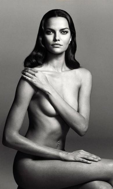 """O portal """"Models.com"""", a biblía do universo das modelos, convocou as angels da Victoria's Secret para um projeto especial, com o Abraham Studios. Nas imagens, elas aparecem sem roupa. Na imagem, a mineira Barbara Fialho Reprodução"""