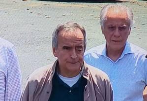 O ex-diretor da Petrobras Nestor Cerveró e o lobista João Augusto Henriques são transferidos em Curitiba Foto: Divulgação
