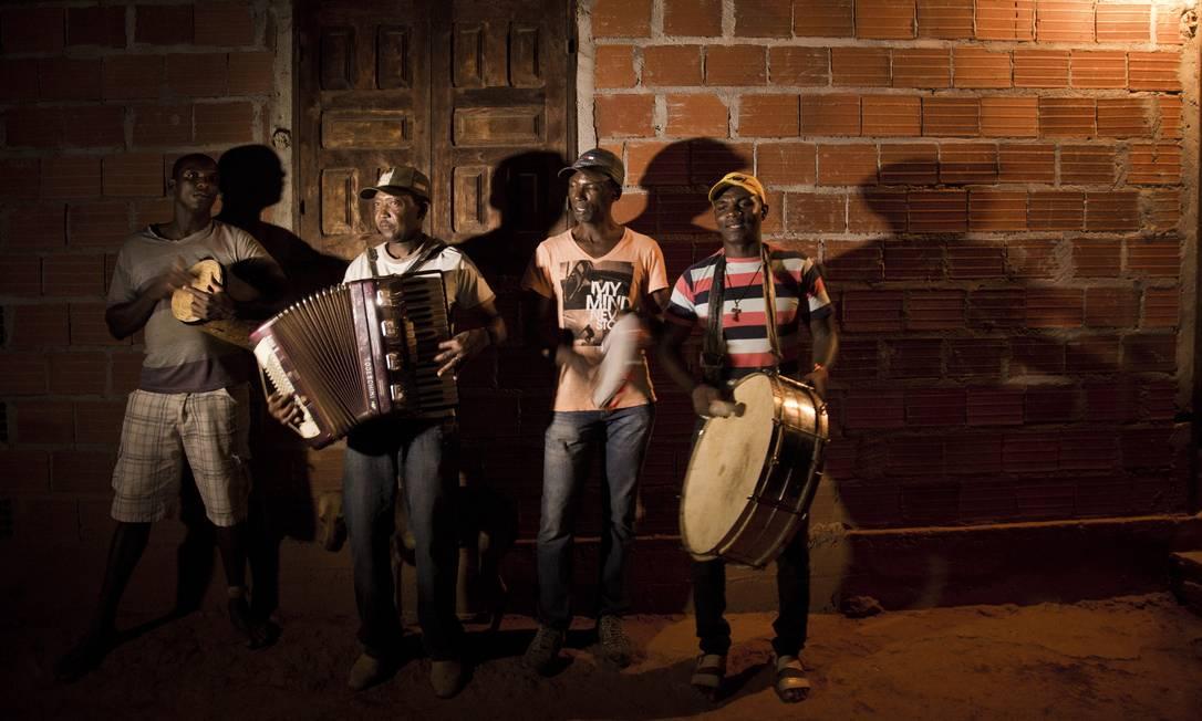 Grupo musical da comunidade de Macuco, em Minas Novas Gustavo Miranda / Agência O Globo