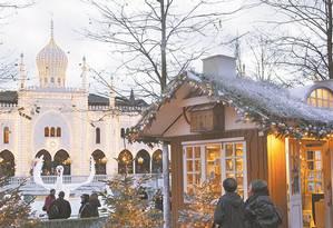 Casinha: mercado de Natal no parque Tivoli, em Copenhague Foto: Divulgação