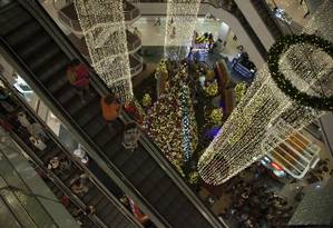 Plaza Shopping tem luzes e presença das Princesas e Carros, da Disney Foto: Heermes de Paula / Agência O Globo