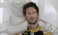 O francês Romain Grosjean: ele vai homenagear as vítimas de Paris Foto: Silvia Izquierdo / AP