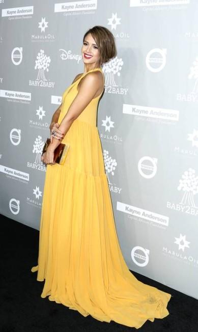 A atriz Jessica Alba: look vibrante John Salangsang / John Salangsang/Invision/AP