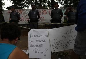 Alunos ocupam Escola Estadual Fernão Dias Paes, em Pinheiros, Zona Oeste de São Paulo, desde o dia 10 Foto: Fernando Donasci / Agência O Globo