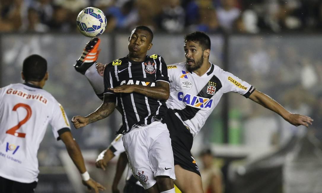Nos últimos dez jogos, incluindo o contra o Vasco, em São Januário, o Corinthians ganhou oito e empatou dois Alexandre Cassiano / Agência O Globo