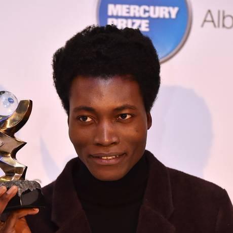 Benjamin Clementine recebe o prêmio Mercury 2015 Foto: BEN STANSALL / AFP