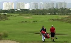 Golfistas aproveitaram inauguração para tirar uma casquinha do aparelho olímpico Foto: Gabriel de Paiva
