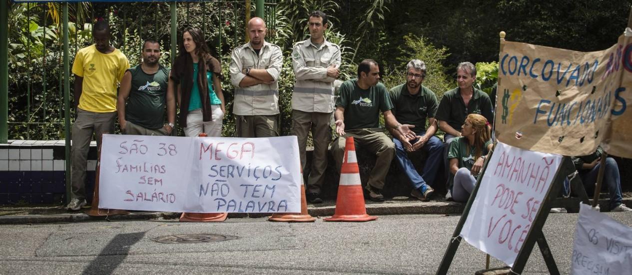 Funcionários terceirizados do Parque Nacional da Tijuca paralizam os serviços Foto: Fernando Lemos / Agência O Globo