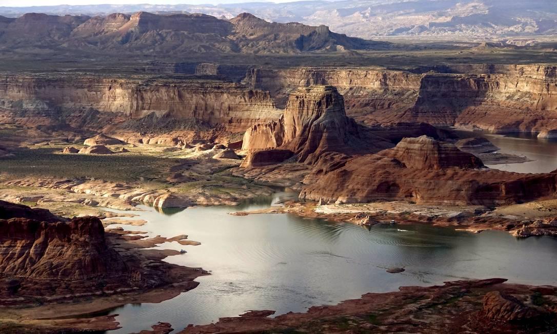 Lago Powell, que é um reservatório do Rio Colorado, enfrenta seca no Arizona RICK WILKING / REUTERS