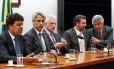 Líderes da oposição se reúnem para traçar estratégias contra o presidente da Câmara, Eduardo Cunha