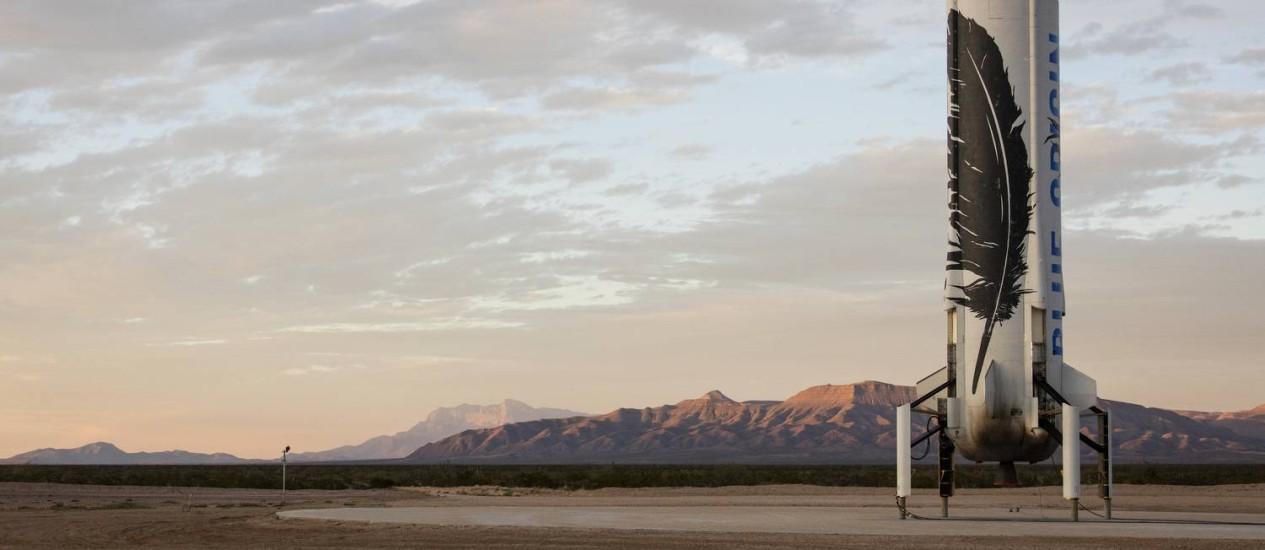 O foguete New Shepard na plataforma de lançamento da Blue Origin no Oeste do Texas, EUA, após o bem-sucedido pouso Foto: Divulgação/Blue Origin
