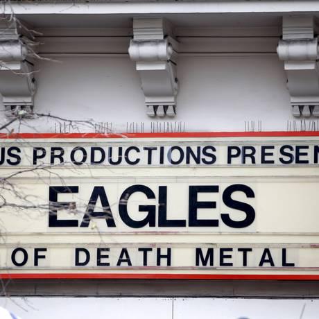 Letreiro do show do Eagles of Death Metal no Bataclan Foto: CHARLES PLATIAU / REUTERS