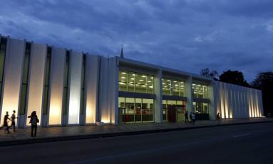 A Biblioteca-parque da Avenida Presidente Vargas terá funcionamento custeado pelo município Foto: Domingos Peixoto / Agência O Globo