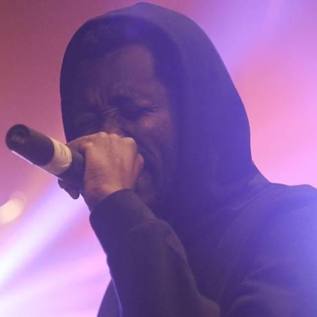 Voz forte. Respeitado pela comunidade do rap, o angolano MCK usa sua voz e suas rimas para denunciar o que chama de arbitrariedades do governo de país; ele está sempre em contato com os 15 ativistas presos há seis meses Foto: Divulgação / DIvulgação