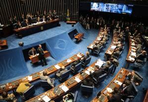 O Senador Renan Callheiros (PMDB-AL) presidindo a sessão para tratar da prisão do senador Delcidio Amaral Foto: Ailton de Freitas / Agência O Globo
