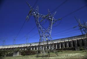 Linha de transmissão sai de Itaipu Foto: Dado Galdieri / Bloomberg