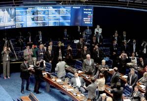 Senador Renan Callheiros (PMDB-AL) presidindo a sessão para tratar da prisão do senador Delcidio Amaral Foto: Ailton de Freitas / Agência O Globo