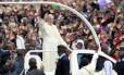 Papa Francisco em meio a multidão em Nairóbi