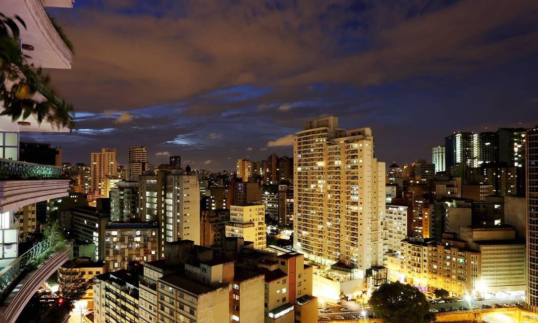 SELVA DE PEDRA. Centro paulistano visto do Edifício Viadutos, obra dos anos 1950 criada pelo arquiteto Artacho Jurado Foto: Fernando Donasci / Agência O Globo