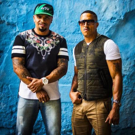 Juntos. Naldo Benny (à esquerda) e Mano Brown gravaram clipe em São Paulo e no Rio. Foto: Fabio Seixo