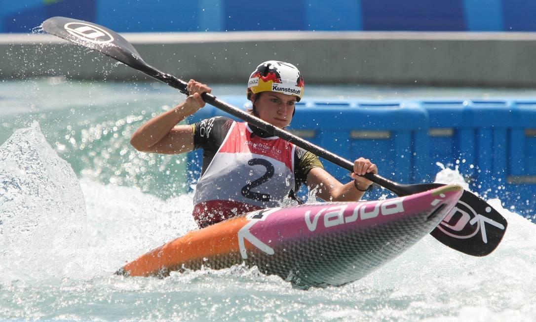 A alemã Ricarda Funk durante a prova de canoagem slalom NICOLAS PESCHIER / AFP