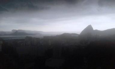 Forte chuva atinge o Rio na tarde de domingo Foto: Foto da leitora Marcia Oliveira