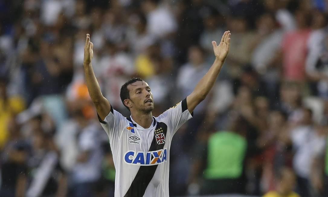 Nenê celebra o gol que deu a vitória ao Vasco Alexandre Cassiano / Agência O Globo