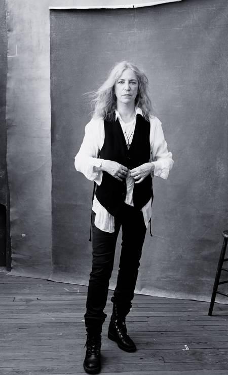 A cantora e poetisa Patti Smith sob as lentas de Annie Leibovitz Foto: Divulgação